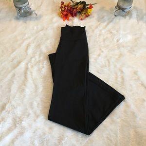 Lululemon Black Wide Leg Pants Size 6 EUC!